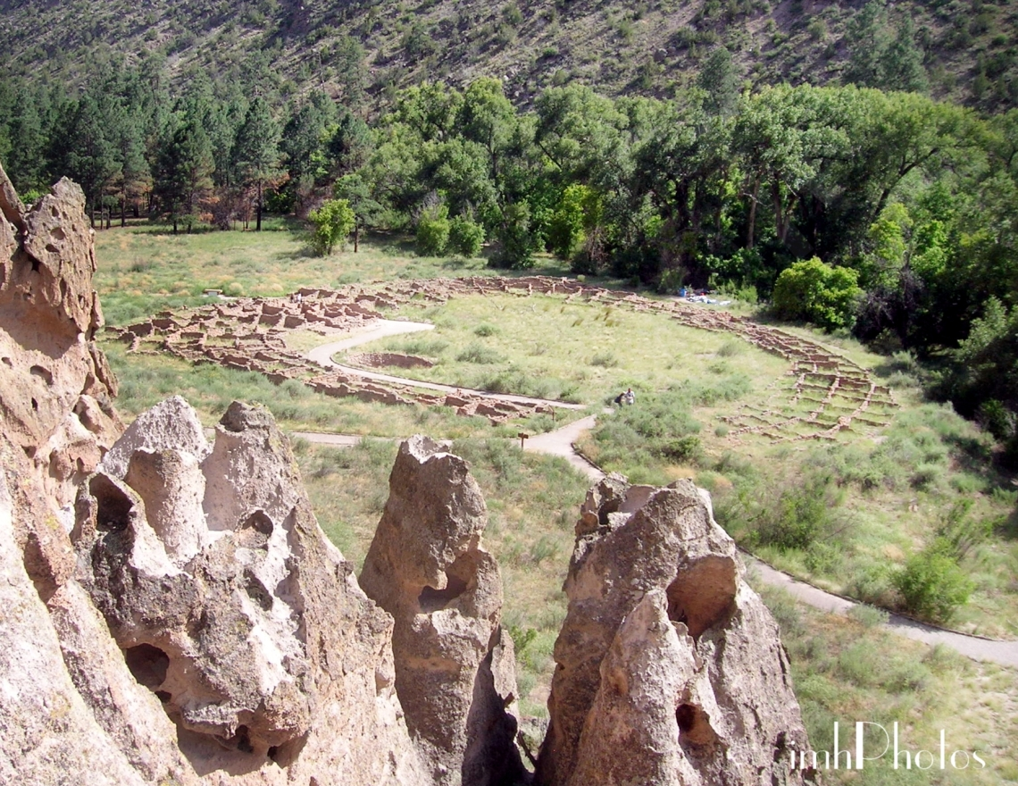 View of Tyuonyi pueblo ruins